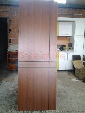 Puertas en madera puertas de seguridad bogota puertas for Fabricas de closet en bogota